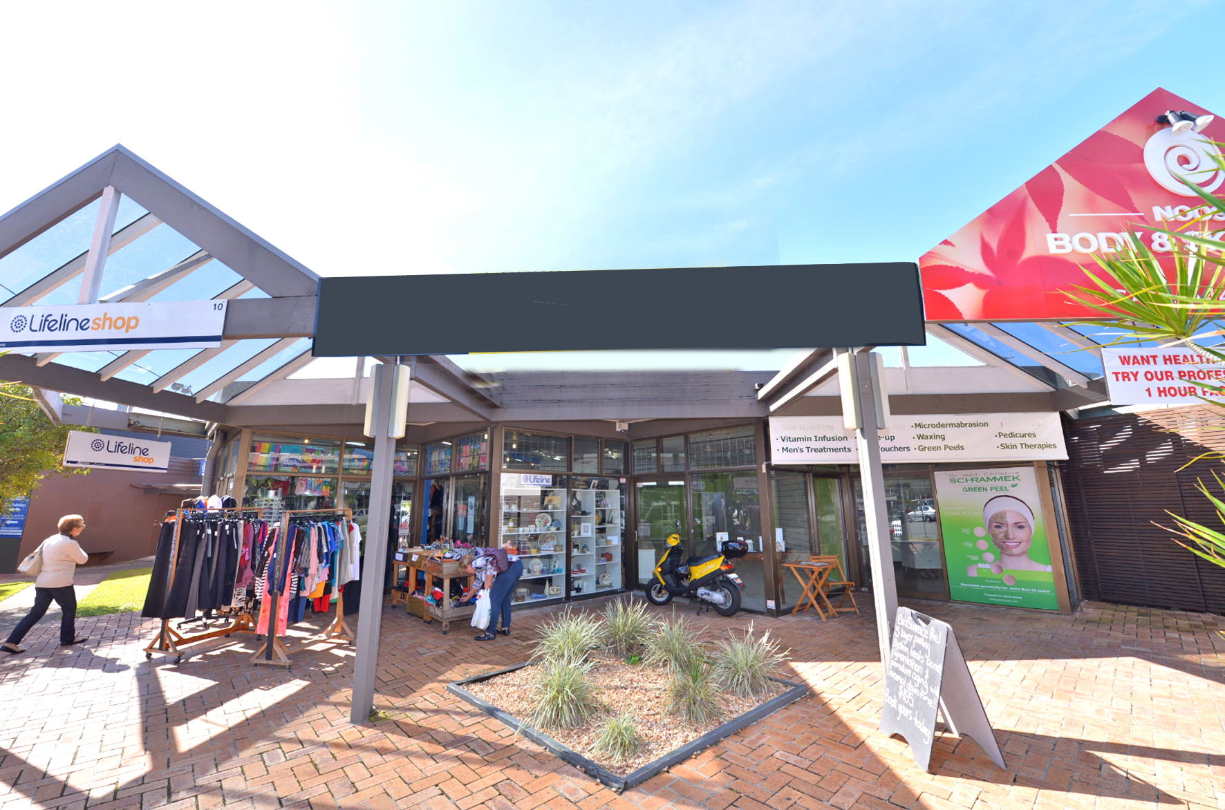 Noosa Junction Retail Building Sold at Auction for $1 35 Million