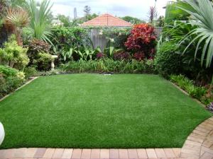 Artificial grass - Courtyard ideas