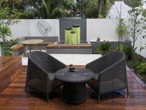 Lightweight furniture - courtyard ideas