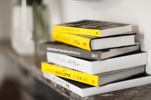 RW_KH_Books_L_LR-310x206