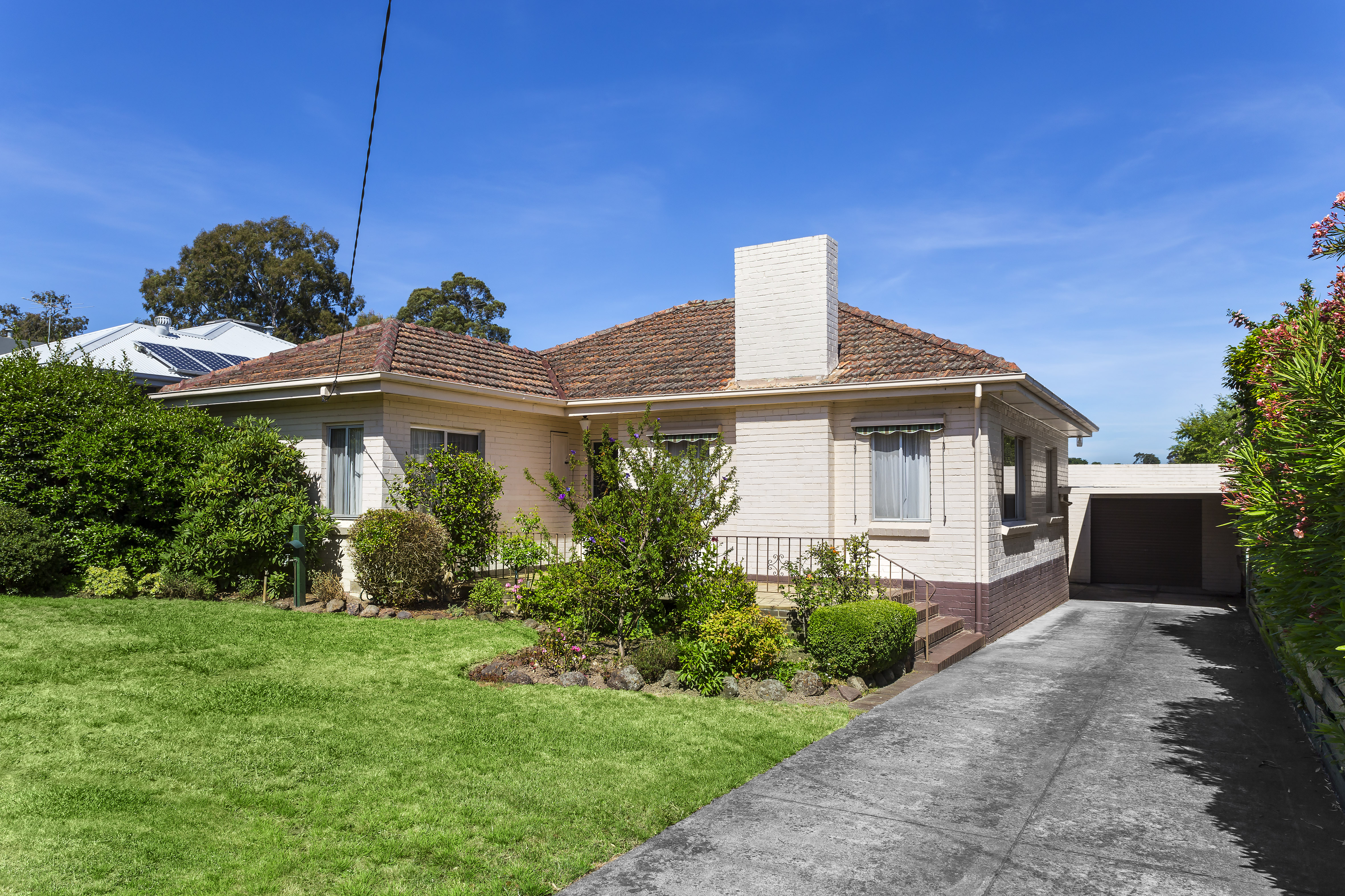 41 Rostrevor Parade Mont Albert North