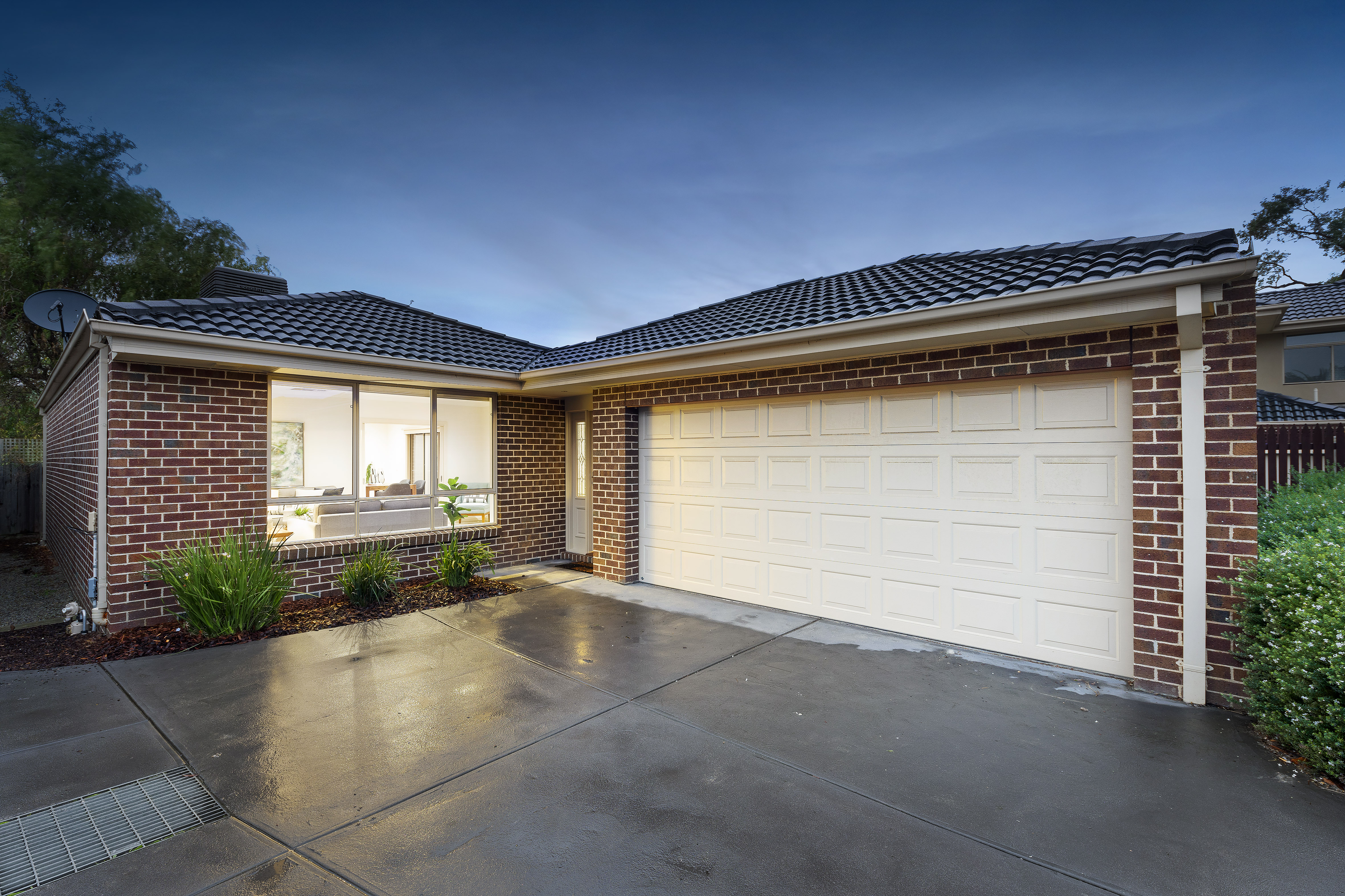 Live Auction at 4/9 Ash Grove, Bayswater | 29/06/19 | Melbourne