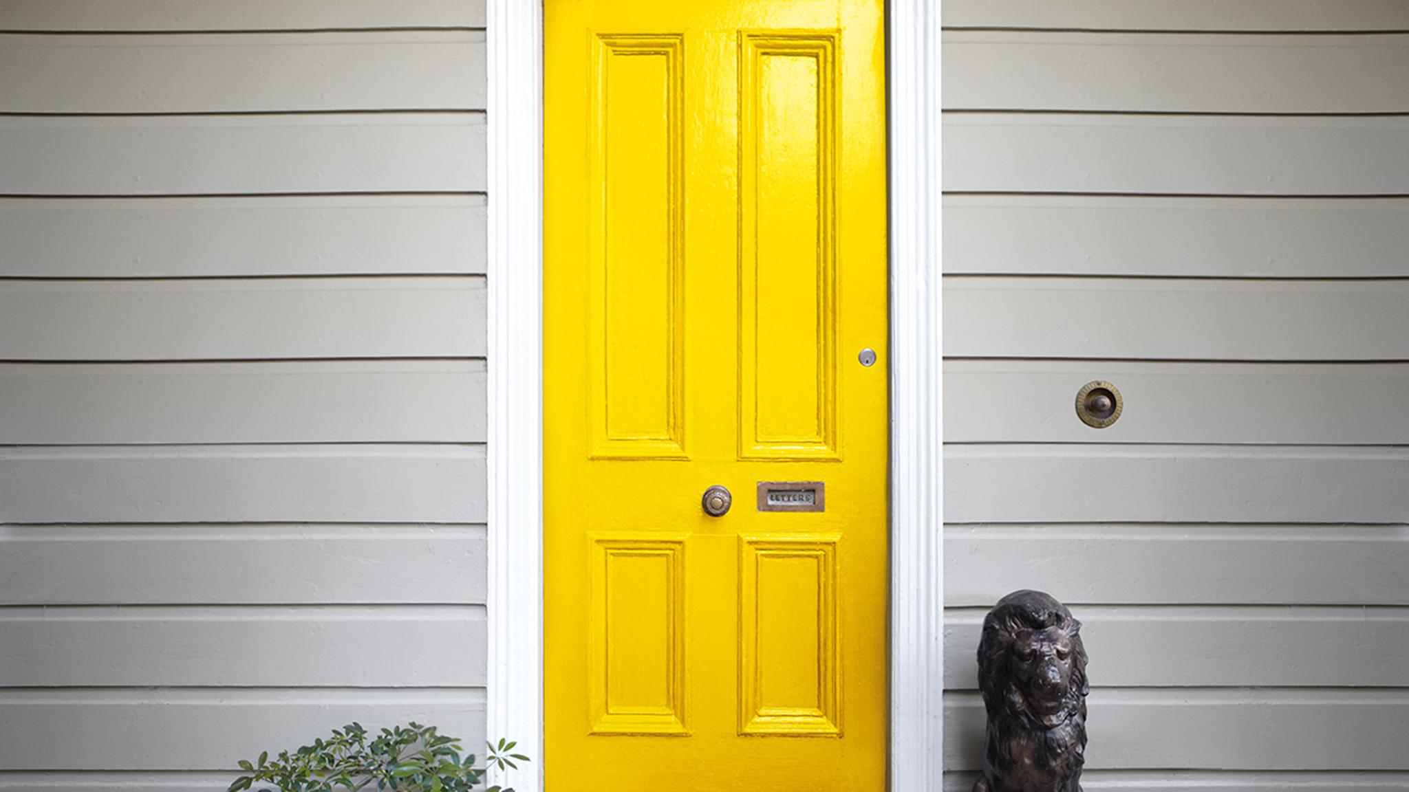RW_KH_Door_2048x1152