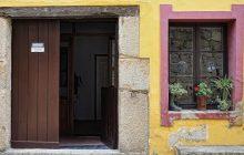 doors-1606646_1280-990x500